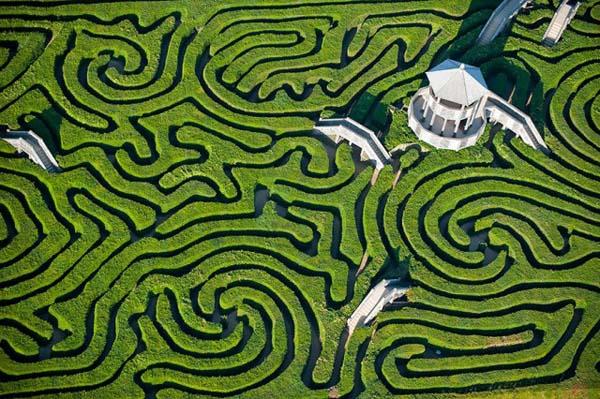 05-Maze-at-Longleat-England