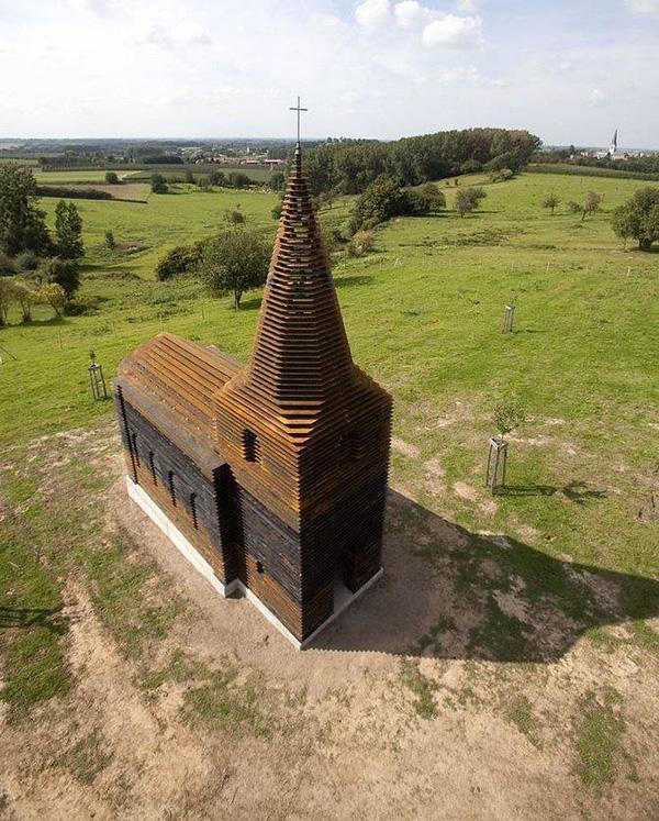 gjennomsiktig-kirke-1