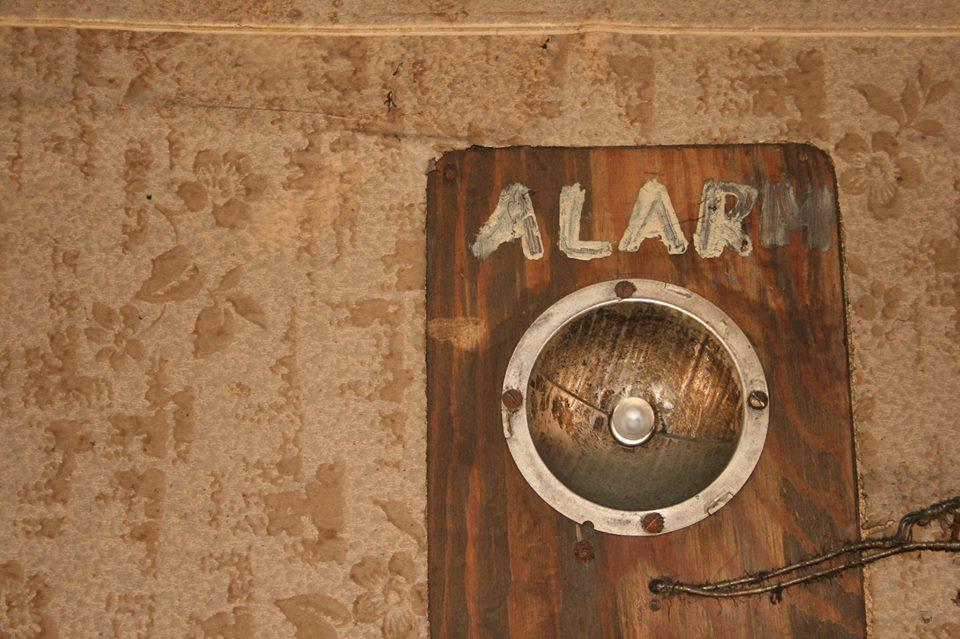 09-A-lamp-alarm