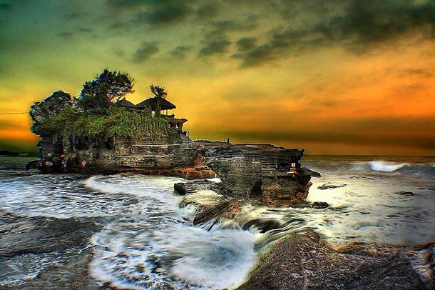 8 Tanah-Lot-Temple-Bali
