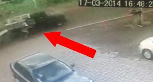 En syklist blir påkjørt av en bil som frakter madrasser, og på en eller annen måte skjer dette. Hva er oddsen?
