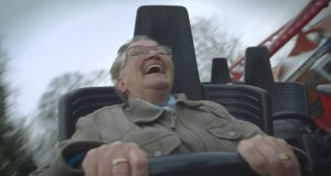 Bestemors første gang på berg og dalbane fikk meg til å glise bredt. Og den siste kommentaren… LOL.