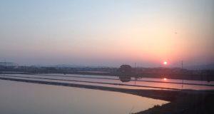 Han sendte et bilde av solnedgangen i Japan til sine foreldre. Det han fikk 20 minutter senere er vakkert.