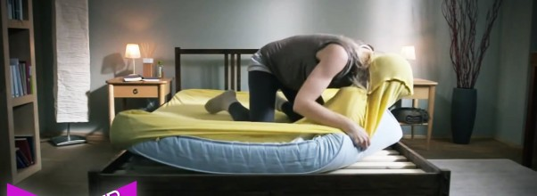 Hvem har ikke opplevd DETTE når de skifter på sengen? L to the O to the L.