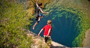 Du må være crazy for å ville stupe her. Du skjønner hvorfor når du treffer vannet.