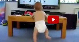 Rett og slett den beste babydansevideoen noensinne. Jeg elsker hvordan han beveger seg.
