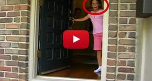 Denne lille jenta åpnet døren og var sjokkert over hva hun så. Jeg er så rørt.