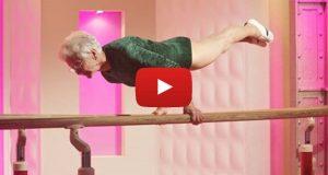 88 år gammel oldemor lamslår verden med en oppvisning som gjør alle målløse.