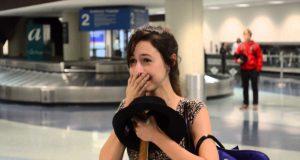 Da hun vendte hjem, overrasket kjæresten henne på flyplassen. Det som skjedde videre er helt fantastisk.