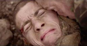 Denne soldatens hund redder ham ved å gjøre noe jeg aldri har visst at hunder kunne gjøre. Utrolig.