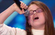Denne sjenerte 11-åringen har aldri før vært på audition. Her får hun ALLE til å gå av skaftet.