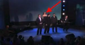 Deres tolkning av «Hallelujah» var allerede fantastisk. Så sjokkerte Celine Dion dem alle. Gåsehud!