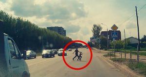 Synes du trafikken er full av hensynsløse grisekjørere? Da bør du se denne videoen.