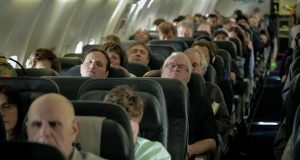 De sovnet på flyet og fikk seg tidenes overraskelse da de våknet opp.