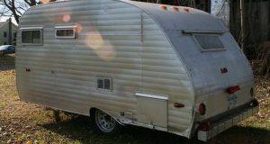 Hva en fyr og kjæresten gjorde med denne campingskraphaugen er briljant, og jeg vil ha en.