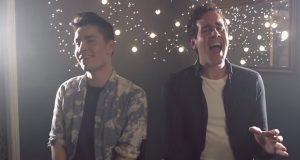 Guttene begynner å synge på to helt ulike låter. Men resultatet gir meg gysninger i kroppen.