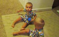 Disse tvillingenes reaksjon når hun ber dem legge seg, hadde jeg aldri sett komme.