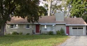 Huset har stått urørt siden 1956. Men når eierne åpner døren… Helt utrolig.