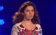 Hun er bare 13 år, men velger likevel den vanskeligste sangen. Sekunder senere bryter juryen sammen.