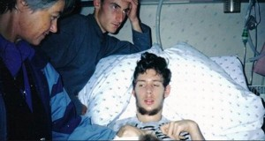 Han lå i koma i 12 år. Det han kan fortelle sin mor når han våkner, er helt ufattelig.