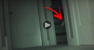 8-åringens leker forsvant mens hun sov. Da satte foreldrene opp et kamera og filmet DETTE.