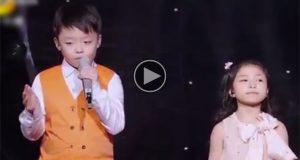 To unger går på scenen og synger «You Raise Me Up». Men når de er ferdig? Jeg tørker tårer.