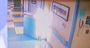 Overvåkningskameraet på et sykehus filmet DETTE idet en jente døde, og legene er helt målløse.