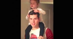 Han ber sin 3 år gamle jente om å synge favorittsangen. Det han fanger på kameraet TAR AV på nettet.