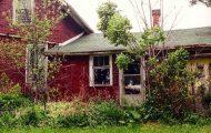 Fotografen fant et forlatt hus i skogen. Så åpner hun døren og får sitt livs sjokk.