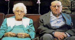 89 år gammel kvinne blir arrestert for butikktyveri. Hennes manns reaksjon er fantastisk.