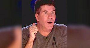Simon Cowell stivner helt til i sjokk når han ser hvem som synger som DETTE på scenen. Utrolig.