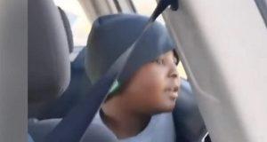 Ung gutt går viralt etter at han blir filmet mens han synger med sjelfull stemme.