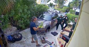 Nabo hører kvinnelige rop om hjelp og «slipp meg ut». Men når politiet kommer? LOL.