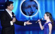 Operastjernen er klar til å trollbinde publikum – da begynner 12-åringen å synge og lamslår alle helt.