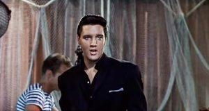 I 1962 spilte Elvis inn dette. Når jeg ser det i dag? Han er virkelig kongen!