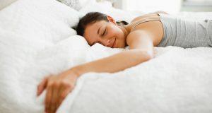 Kvinners hjerne jobber hardere enn menns – derfor trenger kvinner mer søvn, ifølge vitenskap.