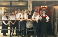 En gjest i restauranten begynte å fornærme ham, men da gjorde sjefen noe helt usannsynlig!